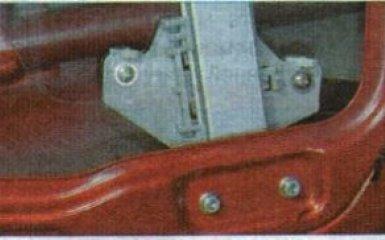 Стекло передней двери Kia Rio 3: снятие и замена
