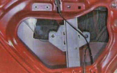 Стекло задней двери Kia Rio 3: снятие и замена