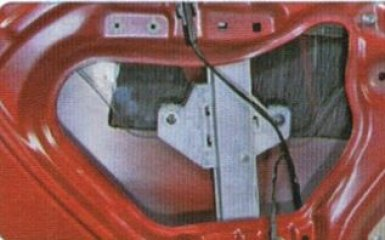 Стеклоподъемник задней двери Kia Rio 3: снятие и замена