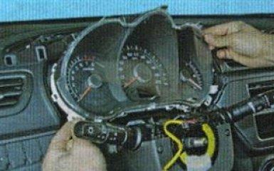 Снятие панели приборов на Kia Rio 3