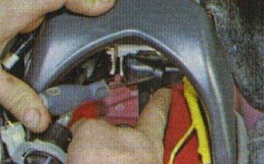 ЭБУ системы безопасности Kia Rio 3: снятие и установка