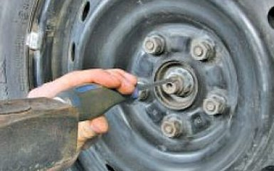 Замена передней ступицы и кулака Toyota Corolla (Е150)