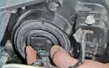 Замена ламп Nissan Note (E11), 2005 - 2013 г.в.