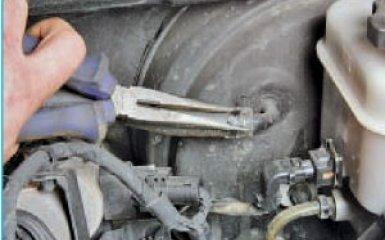 Замена вакуумного усилителя тормозов Hyundai Santa Fe 2 (CM), 2006 - 2012