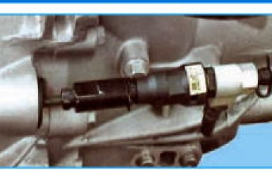 Замена тормозной жидкости в гидроприводе сцепления Hyundai Santa Fe (CM), 2006 - 2012 г.в.