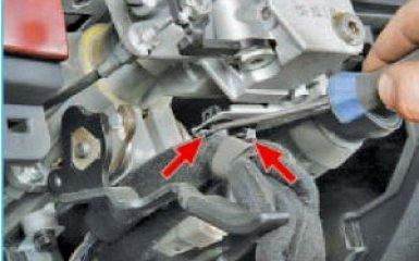 Снятие рулевой колонки Hyundai Santa Fe 2 (CM), 2006 - 2012