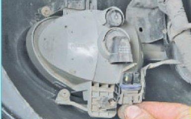 Замена противотуманной фары Hyundai Santa Fe (CM), 2006 - 2012