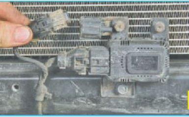 Замена датчика наружной температуры Hyundai Santa Fe (CM), 2006 - 2012