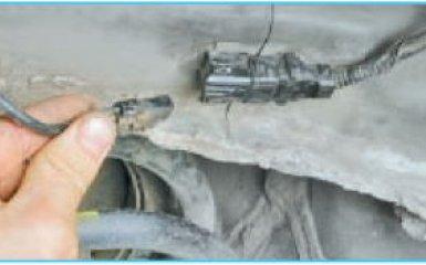 Замена датчиков вращения колеса Hyundai Santa Fe (CM), 2006 - 2012