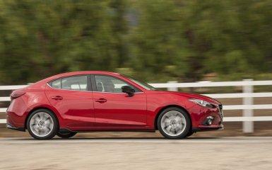 Закамуфлированный рестайлинг: японцы представили посвежевшую Mazda 3 2017 года