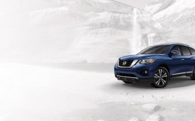Отчаянная погоня за конкурентами: в США показали рестайлинговый Nissan Pathfinder 2016-2017 года с новым «атмосферником»