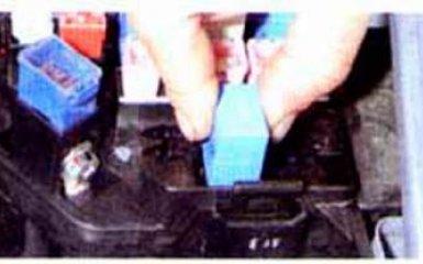 Замена топливного фильтра Hyundai Accent 2