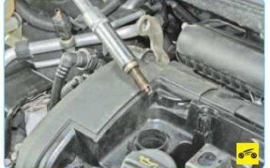 Замена свечей Peugeot 308 (T7)