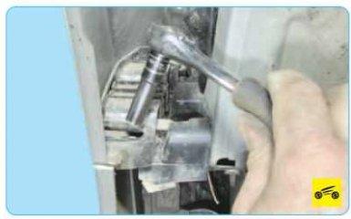 Снятие и установка переднего бампера Peugeot 308 (T7)
