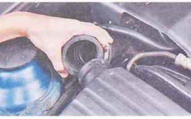 Воздушный фильтр Chevrolet Lacetti c 2004 гг. - снятие и установка
