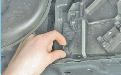 Замена радиатора Hyundai Solaris (RB), 2010 - 2017 г.в.