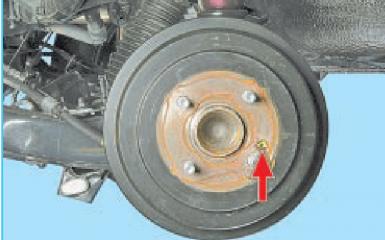 Замена заднего тормозного барабана Hyundai Solaris (RB), 2010 - 2017 г.в.