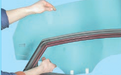 Снятие заднего стеклоподъемника Hyundai Solaris (RB), 2010 - 2017
