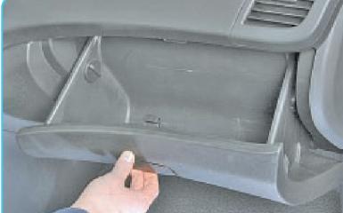 Снятие панели приборов Hyundai Solaris (RB), 2010 - 2017
